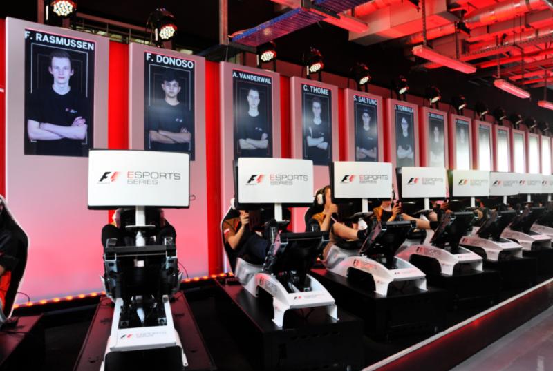 Лучшие команды по Formula 1 проведут драфт киберспортивных гонщиков